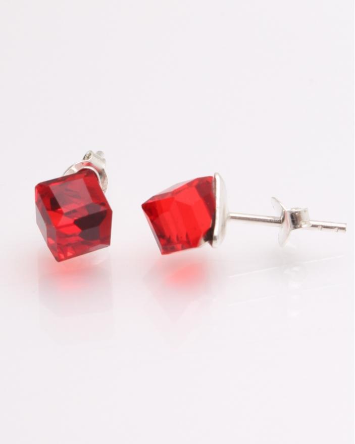 Cercei argint cu piatra rosie cub cod 2-21684, gr1.4