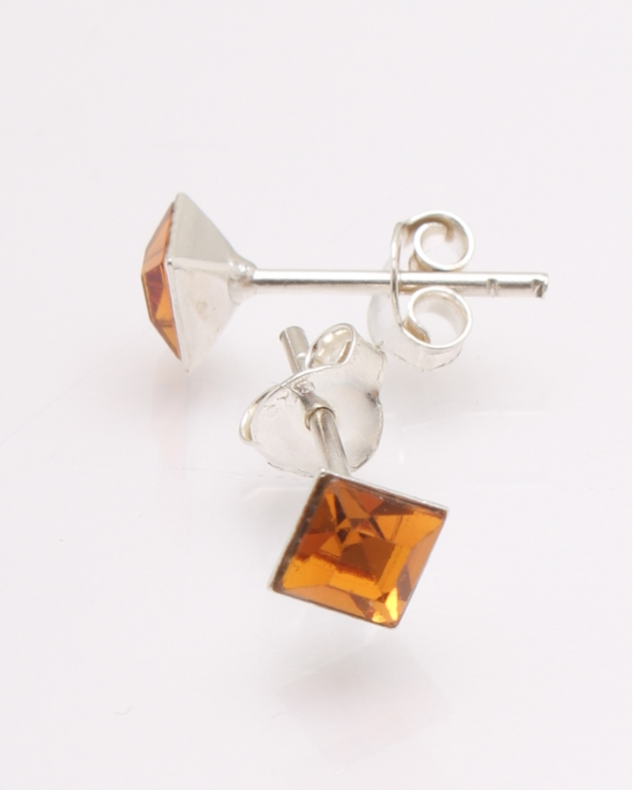 Cercei argint cu cristale patrate cod 2-27110, gr0.6