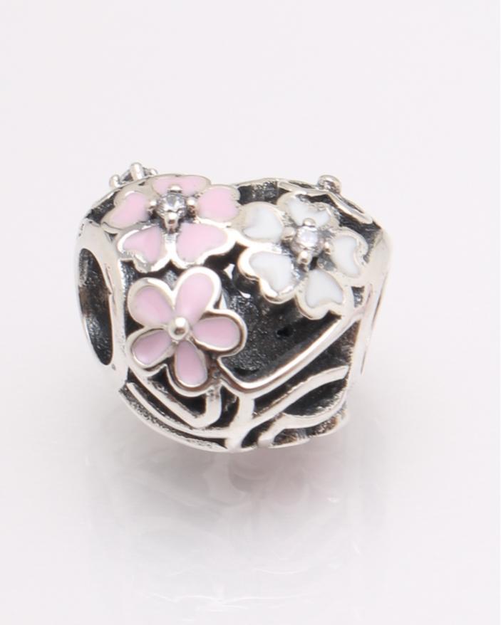 Pandantiv argint inima cu floricele cod 6-27452. gr2.6