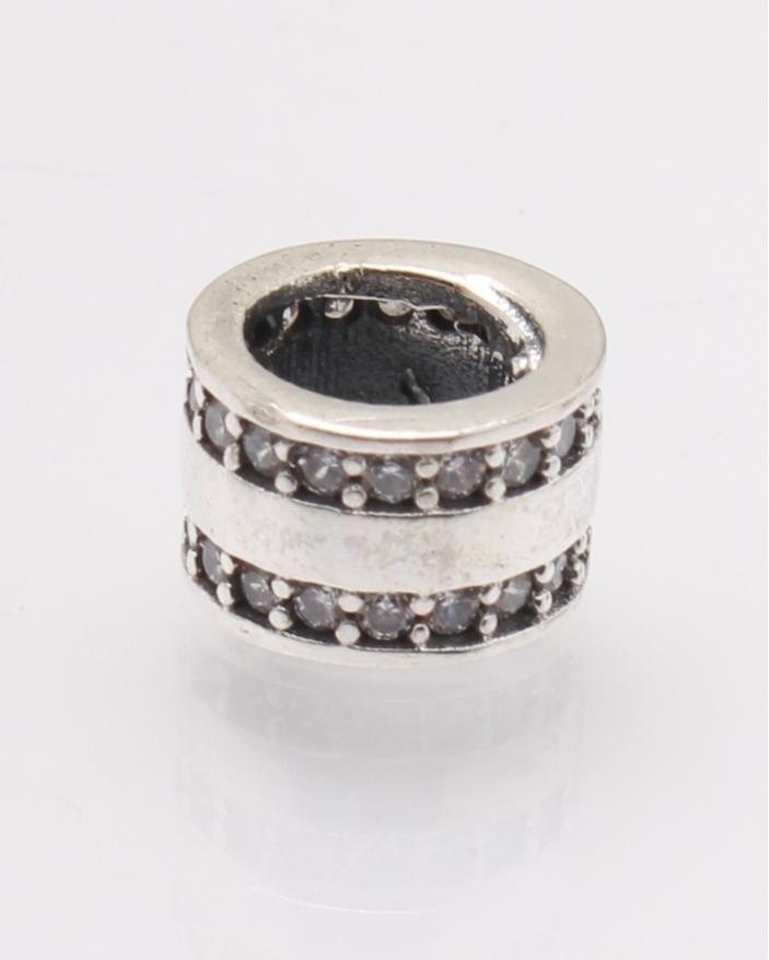 Pandantiv argint cu doua randuri de pietre albe cod 6-27808. gr1.5