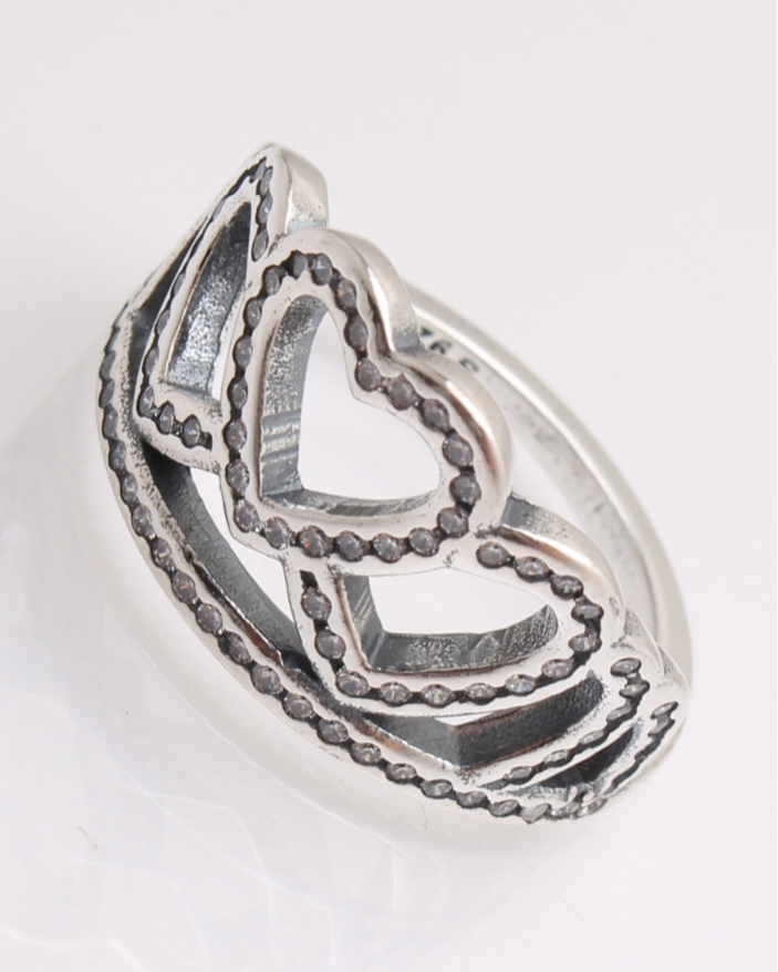 Inel argint format din inimi cu pietre cod 1-21829, gr3.6