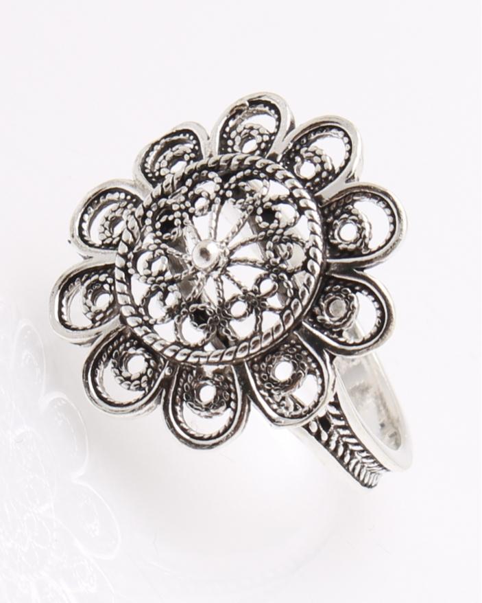 Inel argint in filigran tip floare cod 1-22232, gr3.7