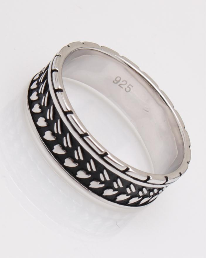 Inel argint suprafata partial neagra cod 1-23051, gr4.9