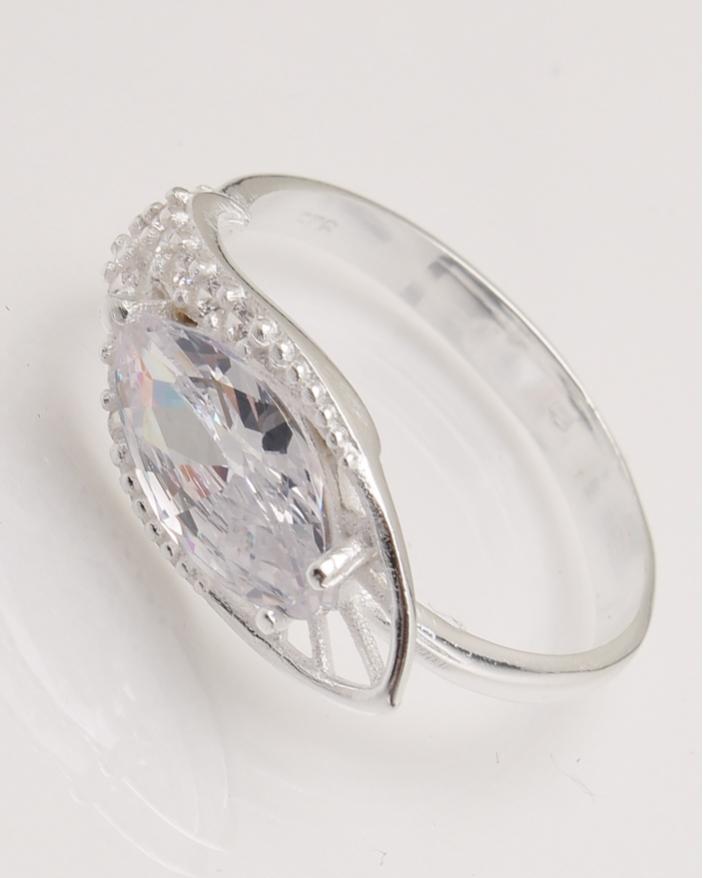 Inel argint piatra alba cod 1-23966, gr2.9
