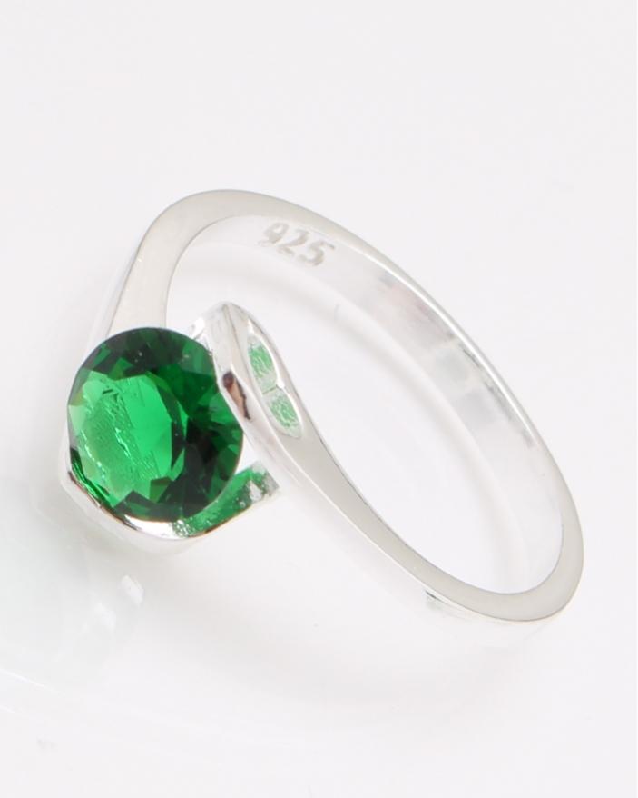 Inel argint piatra rotunda verde cod 1-24457, gr2