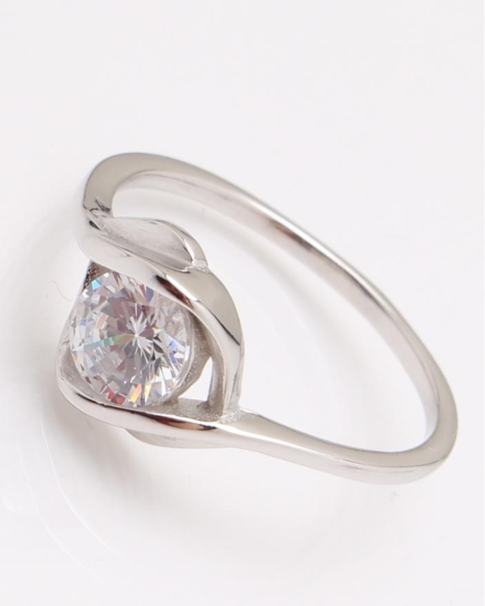 Inel argint rodiat cu piatra alba cod 1-24647, gr1.8