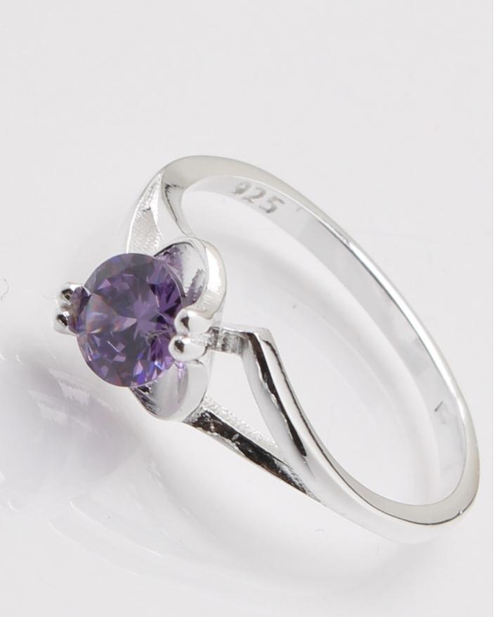 Inel argint piatra lila cod 1-25034, gr2