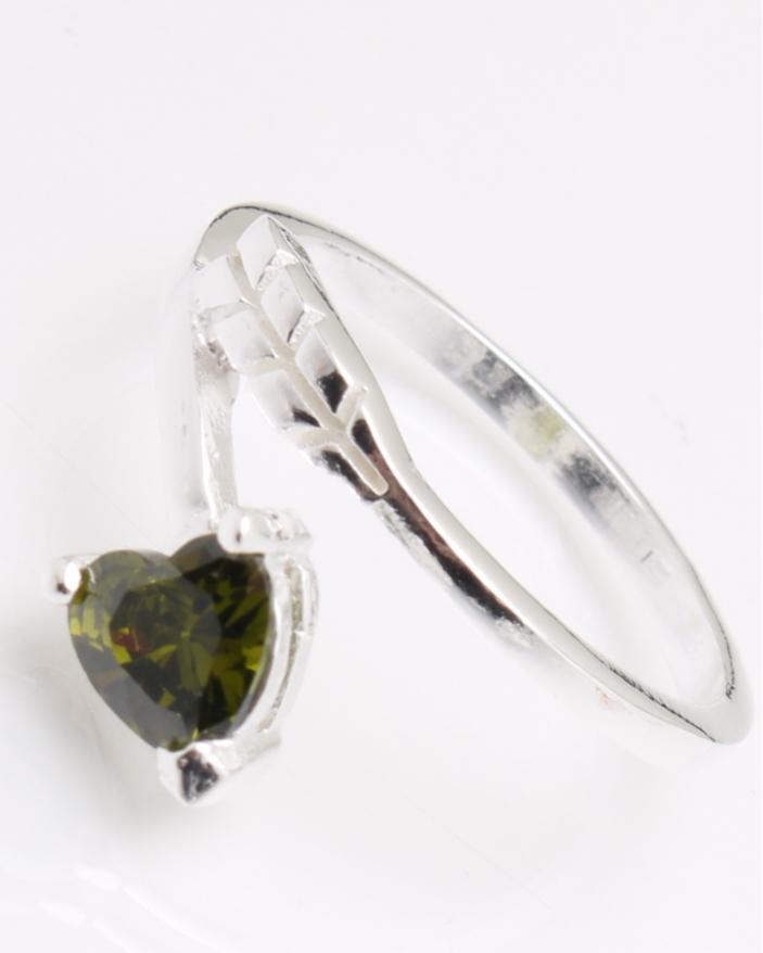 Inel argint piatra inima verde olive cod 1-25056, gr2.4