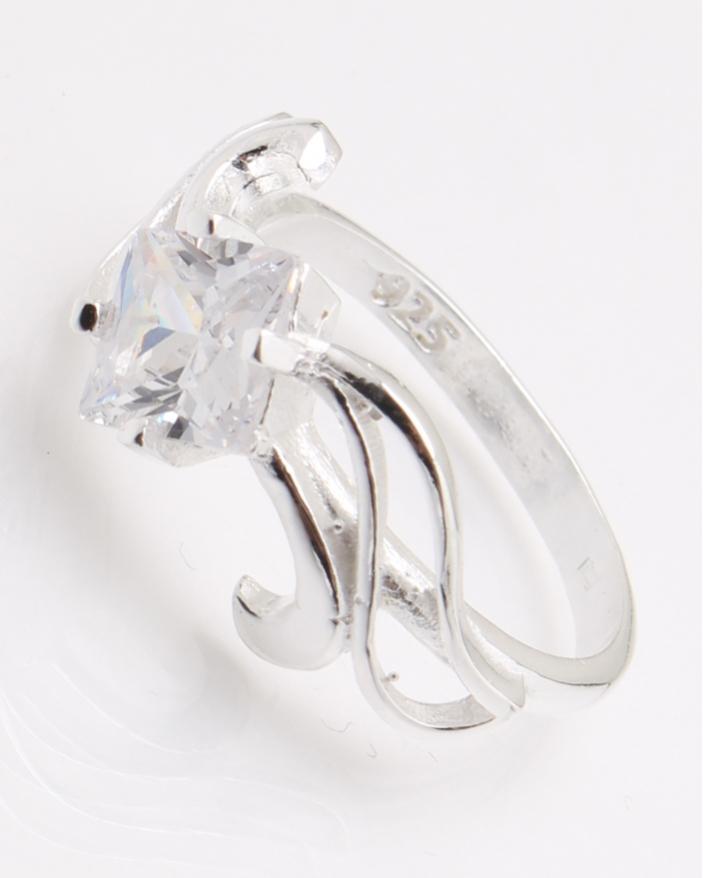 Inel argint piatra alba cod 1-25133, gr2.8