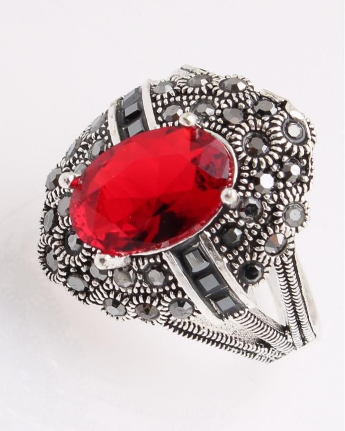 Inel argint cu piatra rosie si marcasite cod 1-26889, gr6.4