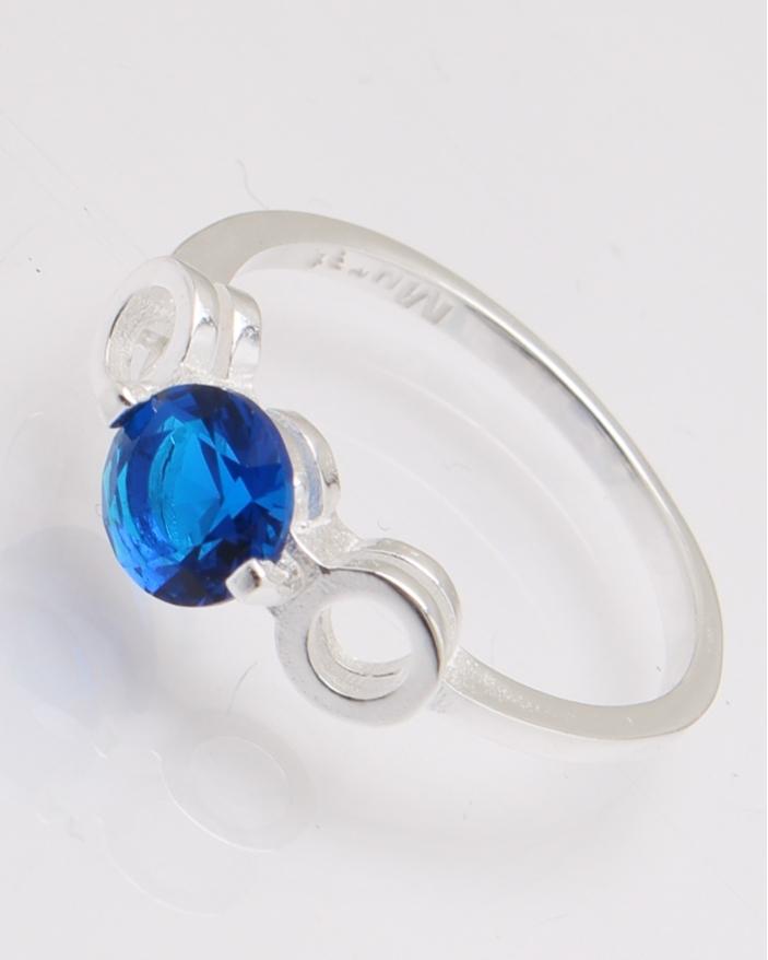 Inel argint cu piatra albastra cod 1-28026, gr1.9