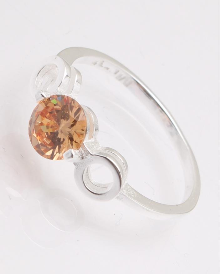 Inel argint cu piatra portocalie cod 1-28027, gr2