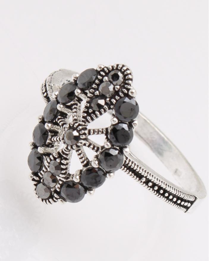 Inel argint cu pietre negre cod 1-28090, gr3.1