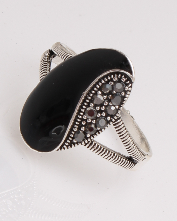 Inel argint oval cu marcasite cod 1-29112, gr3.5
