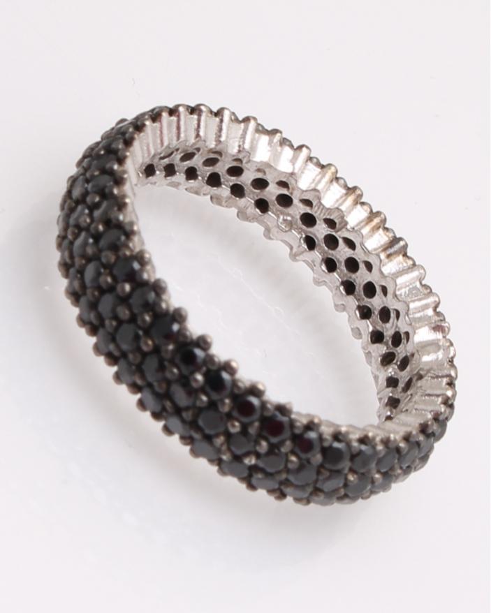 Inel argint cu trei randuri de pietre negre cod 1-29133, gr3.5