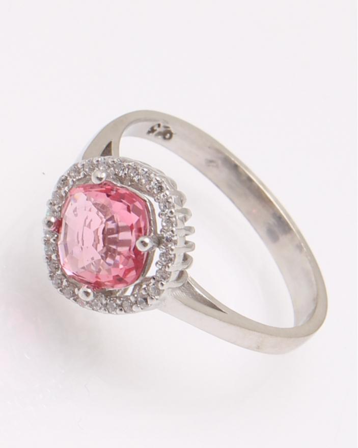 Inel argint piatra patrata roz cod 1-31476, gr2.9