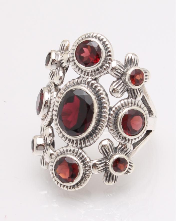 Inel argint cu pietre rosii cod 1-27628, gr10