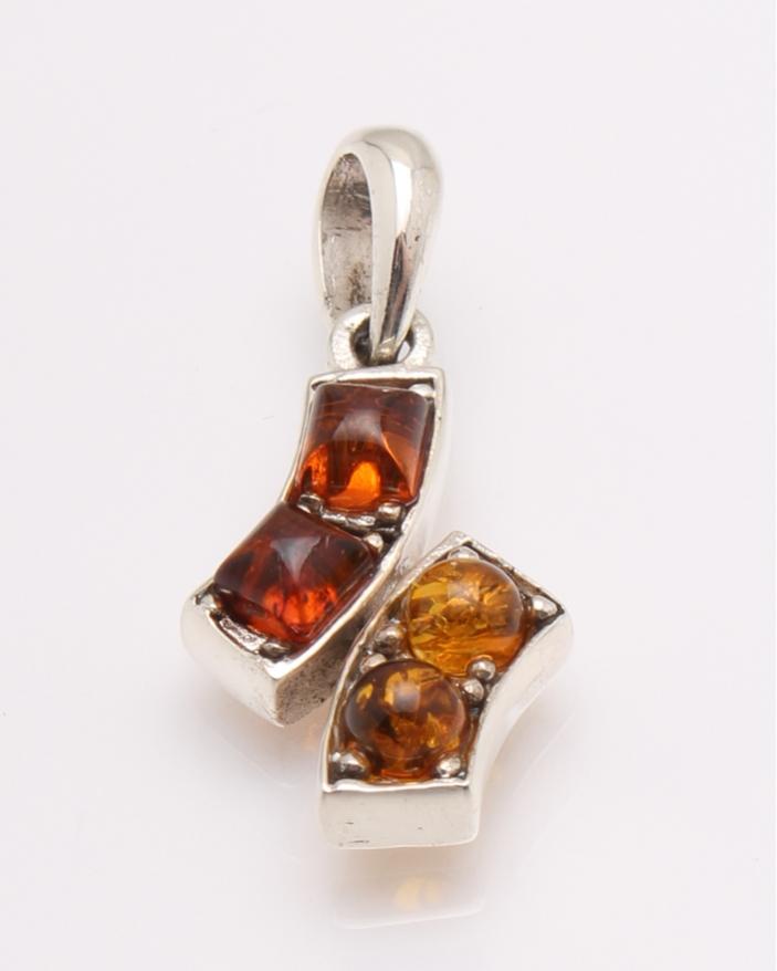 Pandantiv argint chihlimbar cod 6-31655. gr3.4