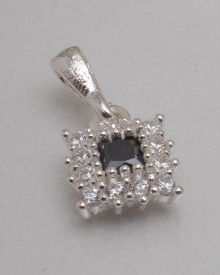 Pandantiv argint cod 6-8638. gr0.9